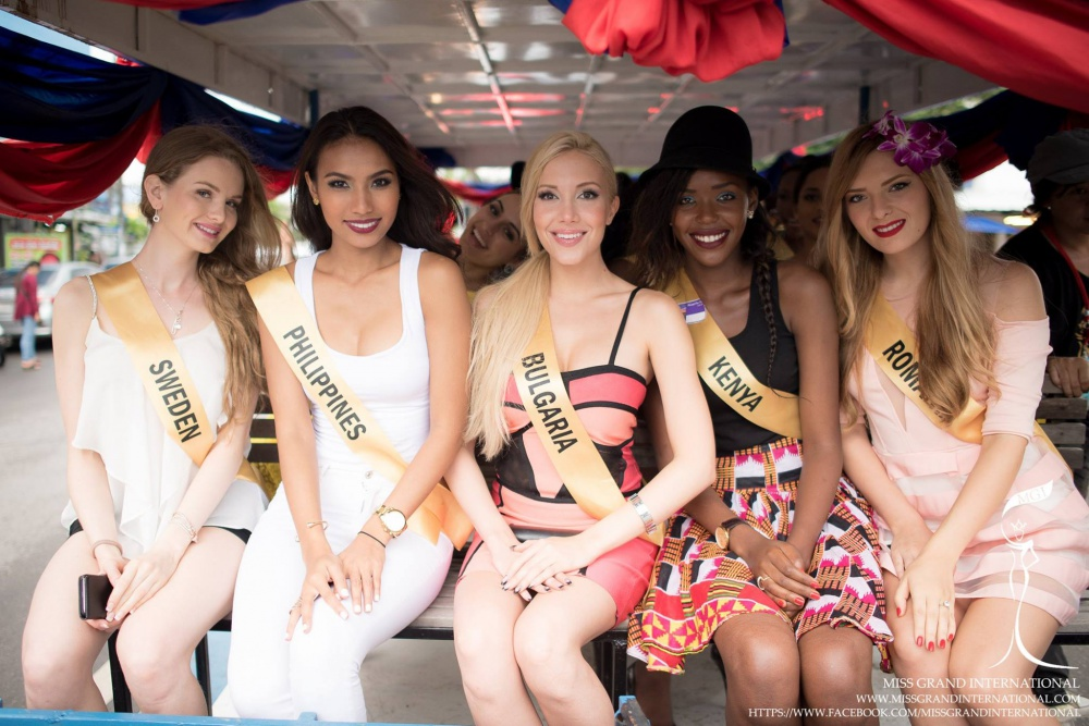The Contestants of MGI2015 City Tour at Trat Province #1